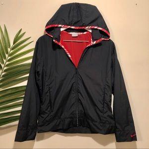 Black and red Nike windbreaker size M